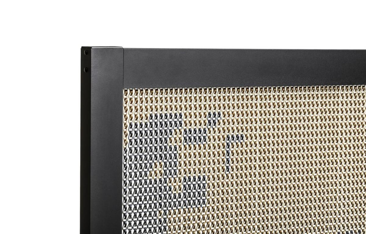 Barcelona Screen Divider Skull L black detail